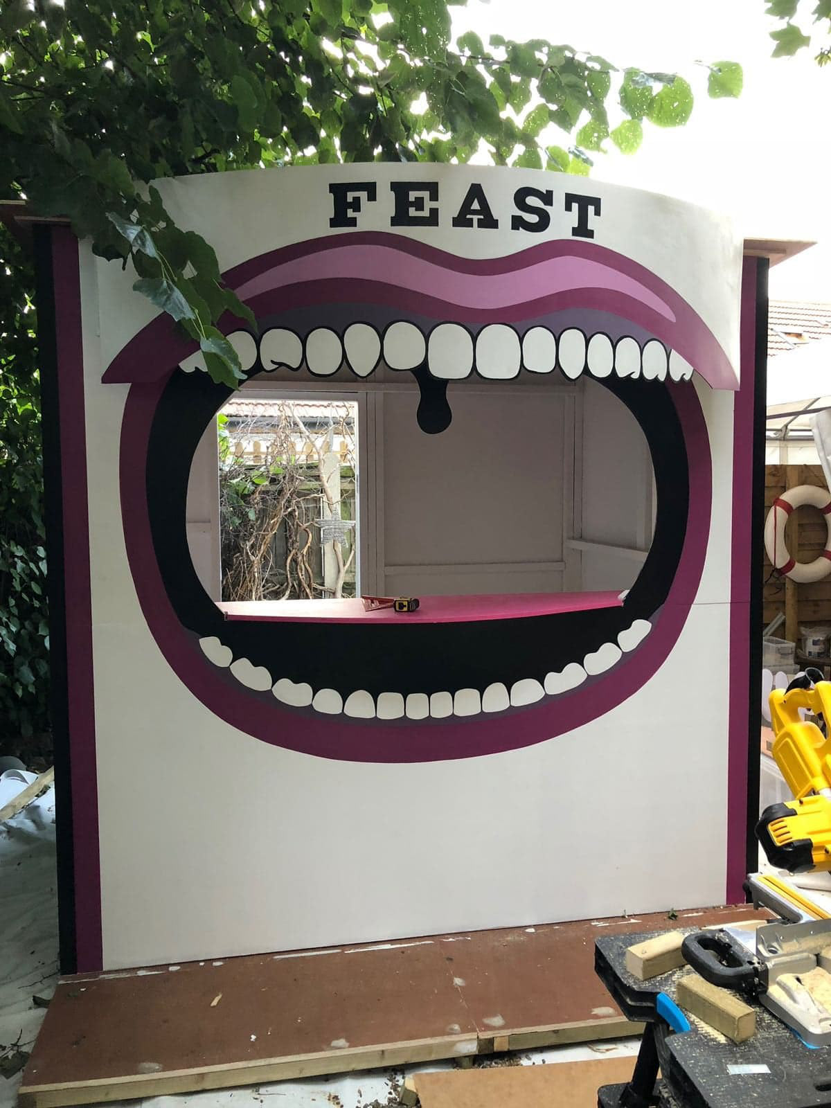set stall painting   quirky Playful Unusual Experiential