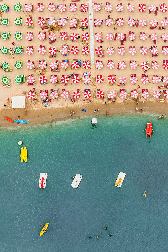 Adobe Portfolio Aerial Luftaufnahmen aerials beach sea Sun swimming adria Italy italia Umbrella sand