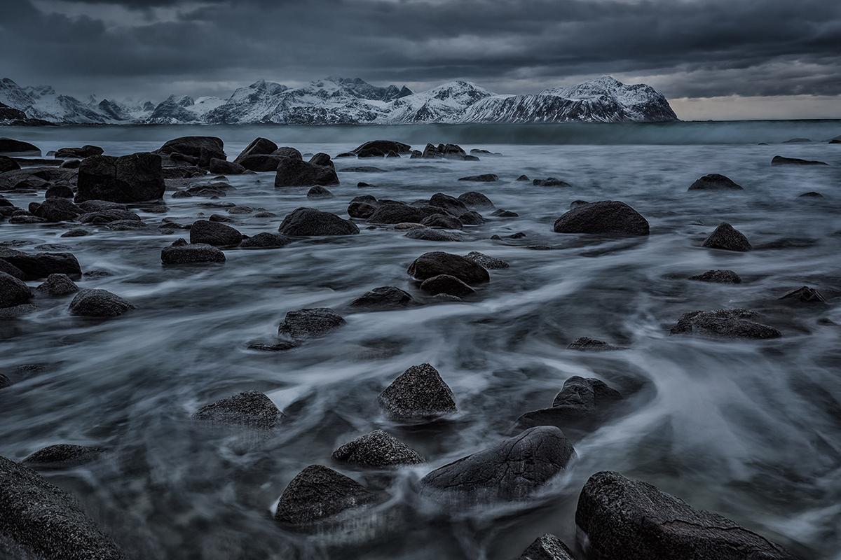 lofoten norway Arctic islands archipelago north atlantic mountains sea winter Coast waves Ocean rocks longexposure