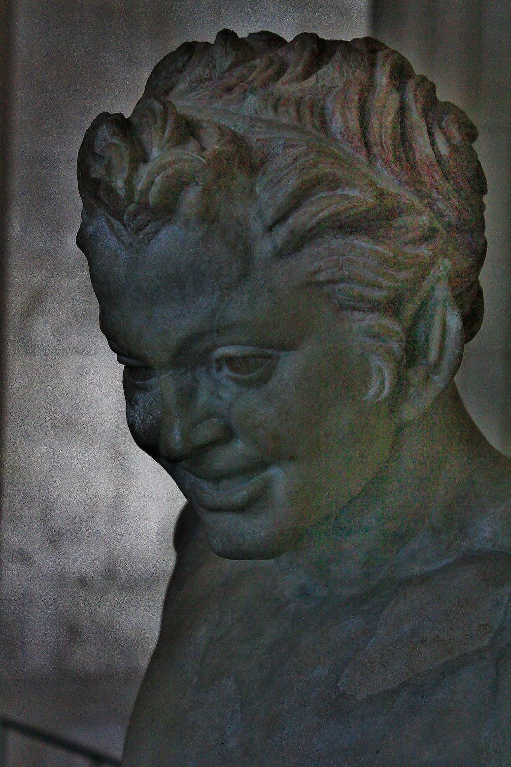 louvre sculpture painting   gombrich kouros Apollo medusa Anscient Pottery Faun de Vienne