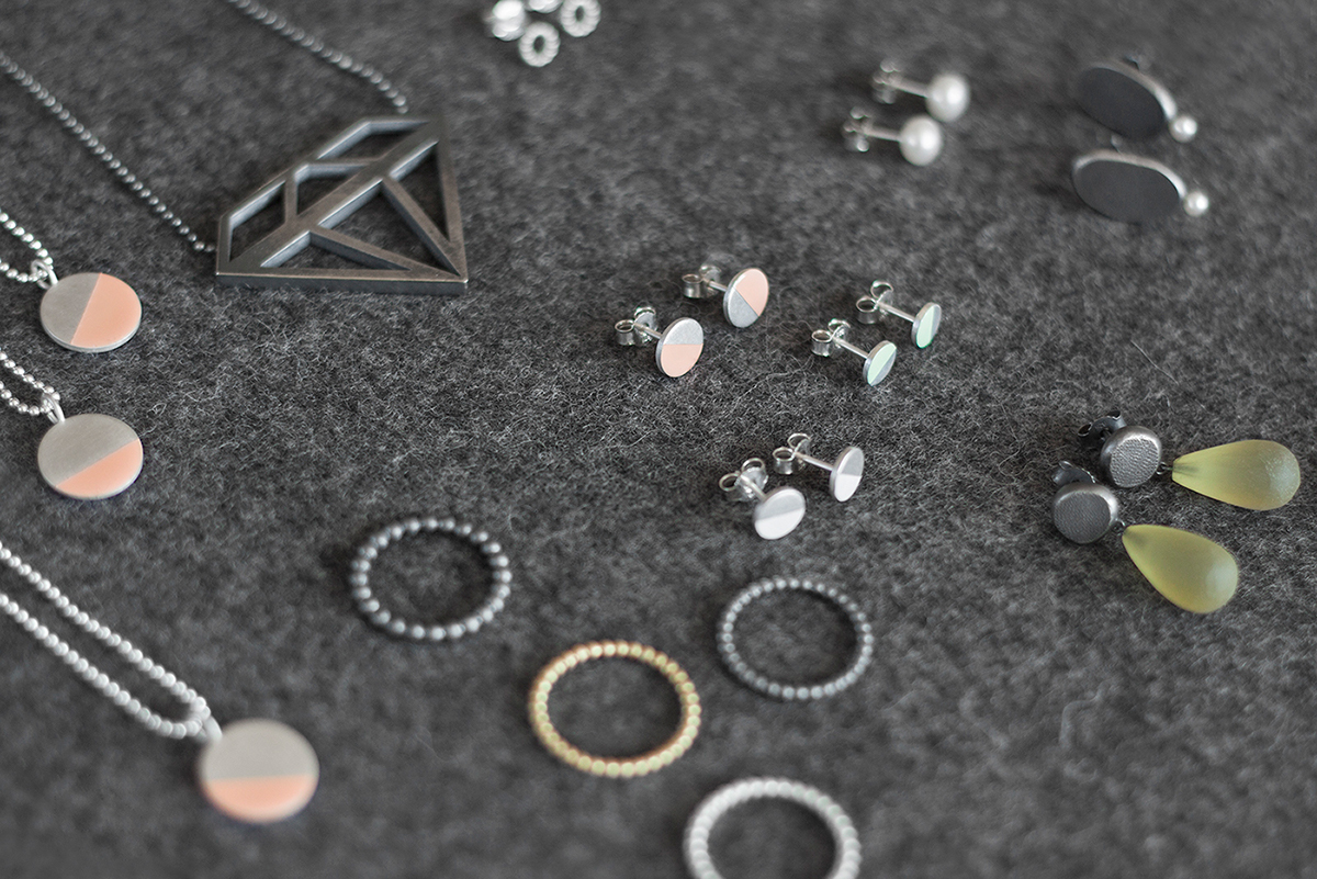 Jewellery Corporate Design CI typo ring bracelett