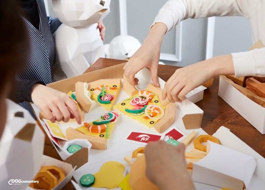Polygon-Inspired Pizza Night made of Paper