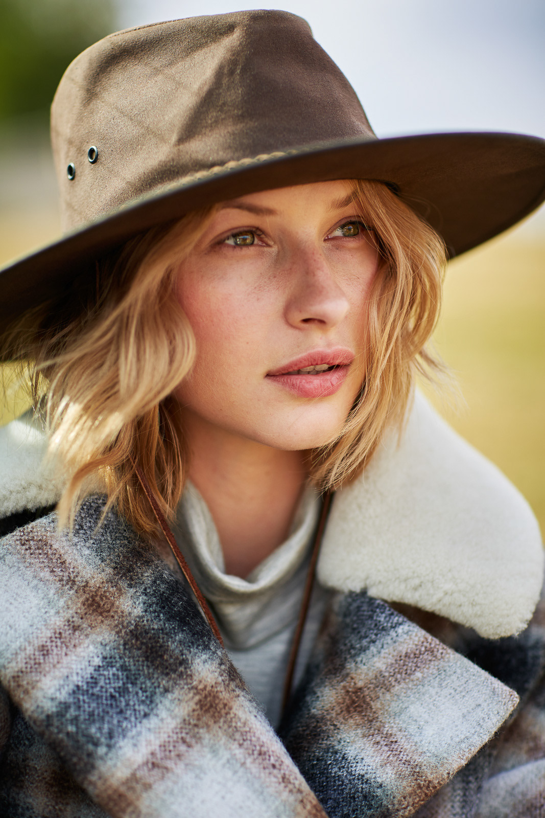 Fashion  editorial Photography  Style natural country horses