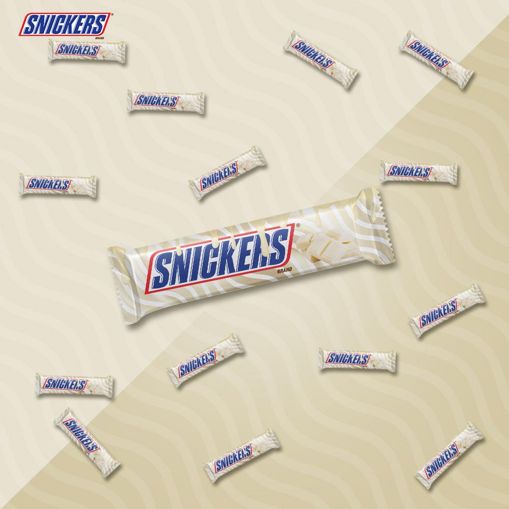 ADV,black chocolate,campaign,chocolate,dark chocolate,Snickers,social media,unofficial,white chocolate