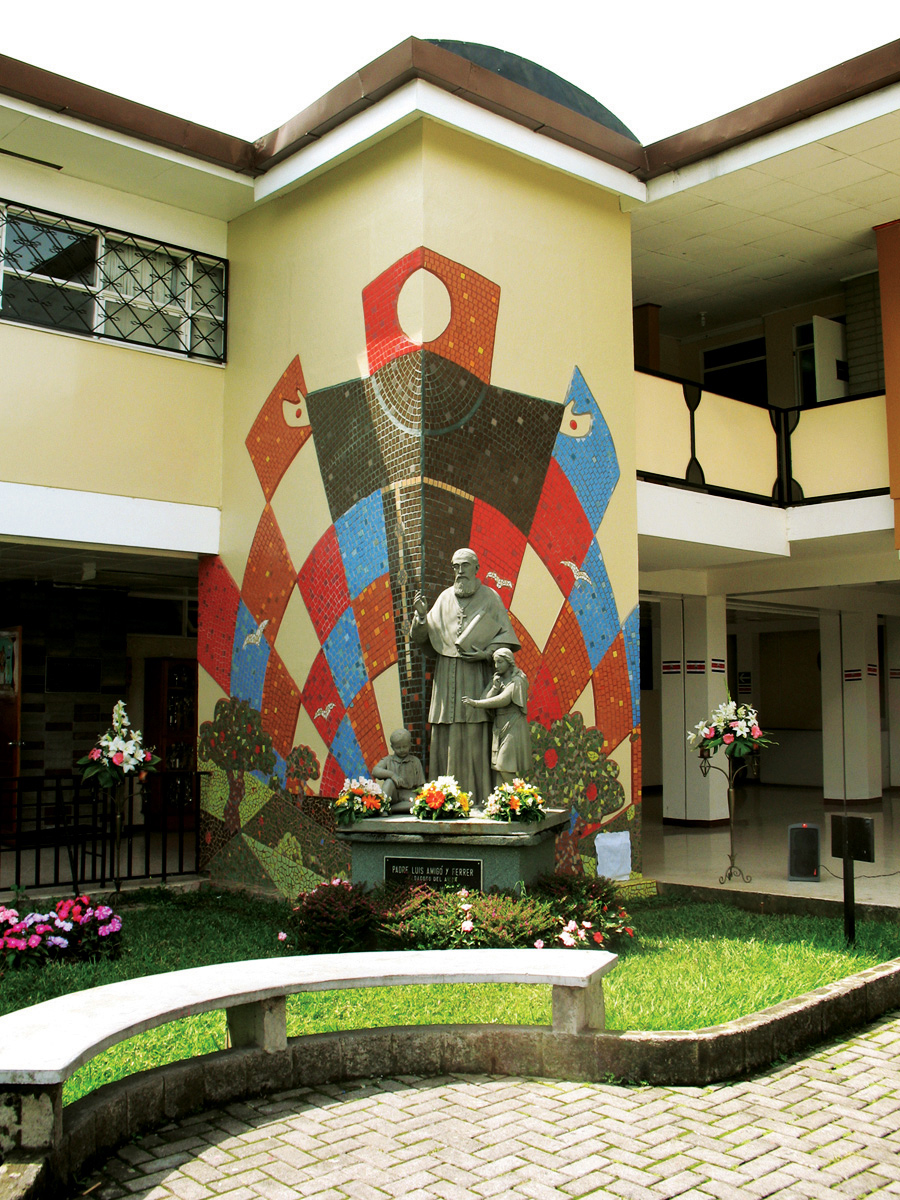 Mural colegio nuestra se ora de desamparados on behance for Mural nuestra carne