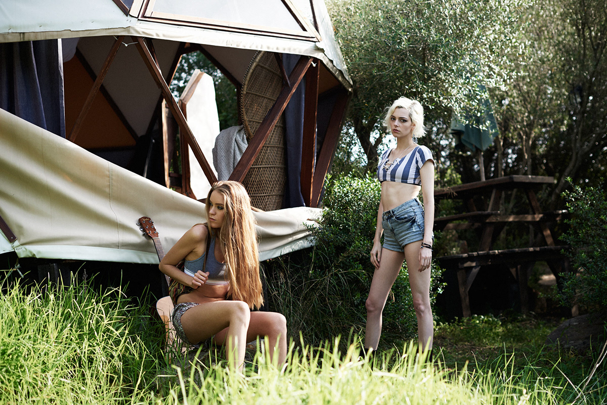 dome girls friends Nature story