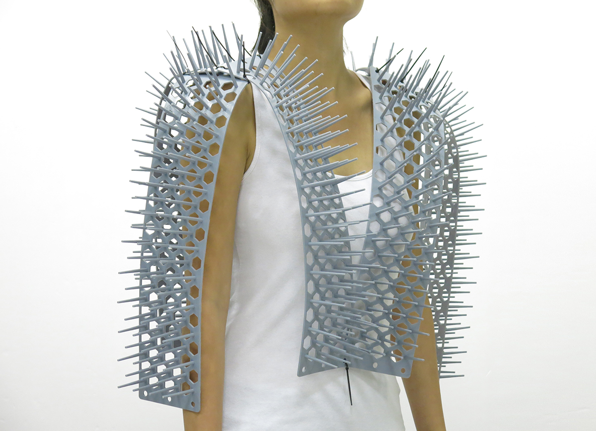 spikes vest personal Space  subway trains Protect chindogu