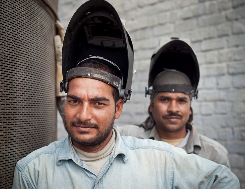 portraits at work worker industry manufacture Rüdiger Nehmzow industrial Landscape Workers workman analog digital corporate corporate photography