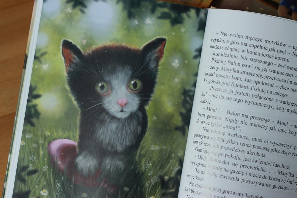 children book fisiowanie little girl crazy funny Cat wydawnictwo literatura happy