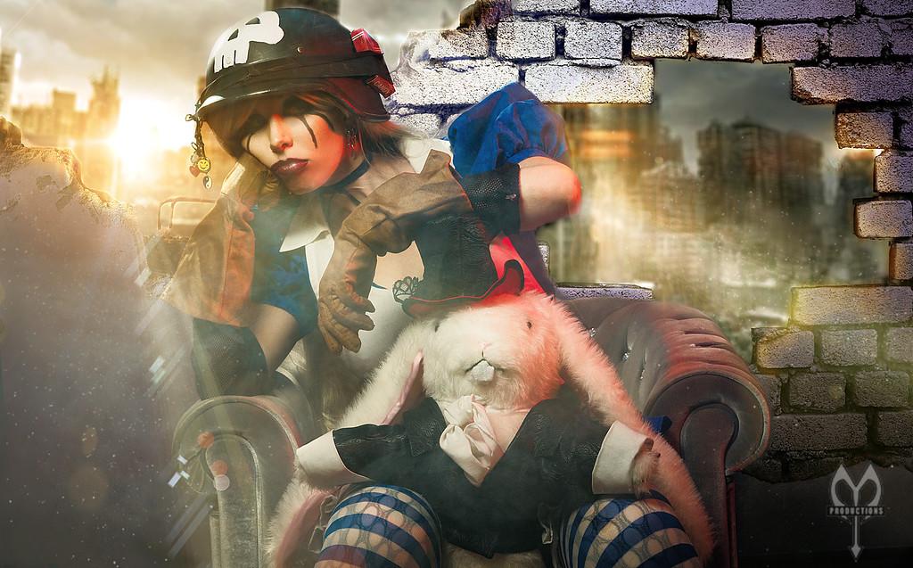 Cosplay Milkdress coverart madmax motu apocalypse comic cover