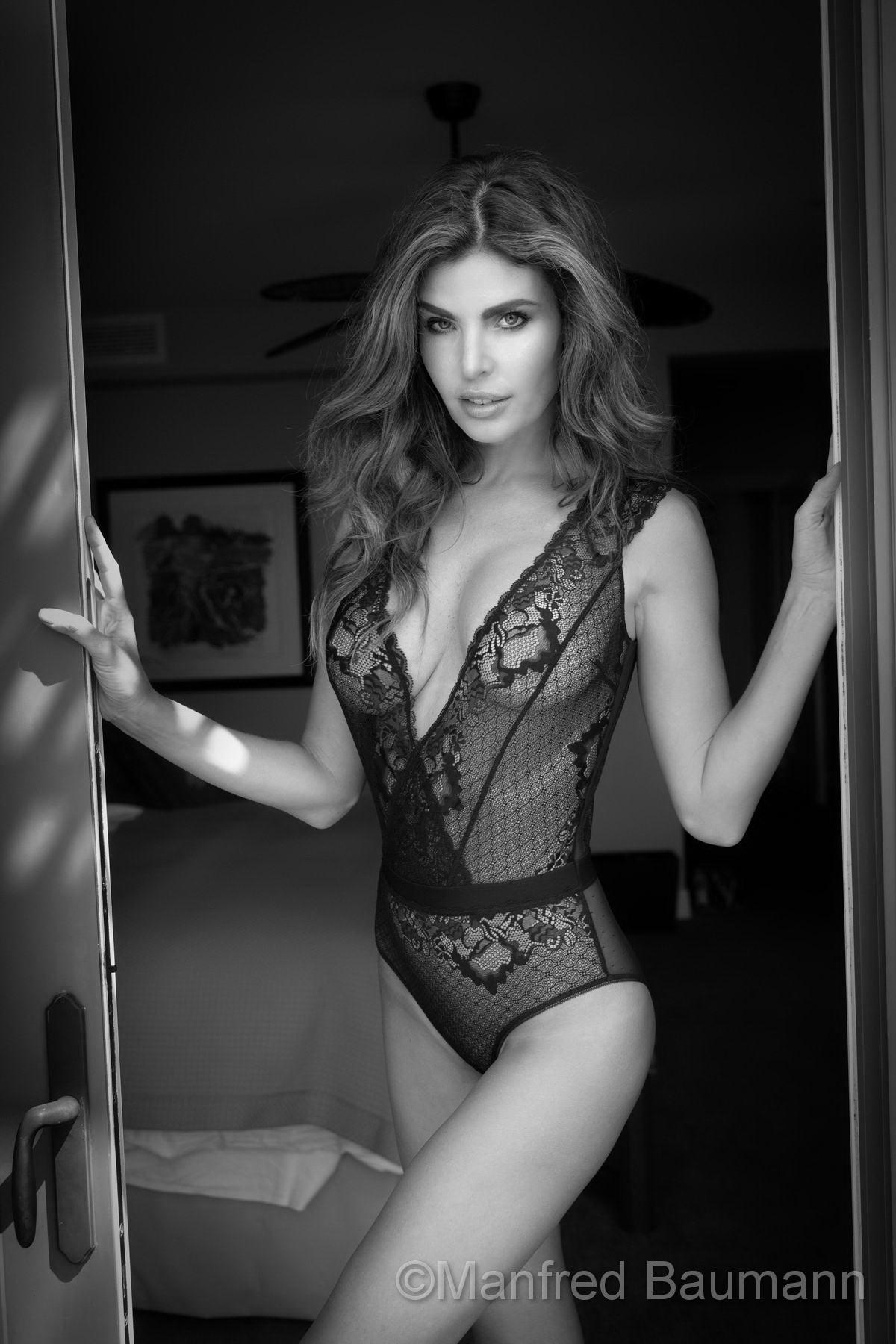 Julia Lescova naked 2