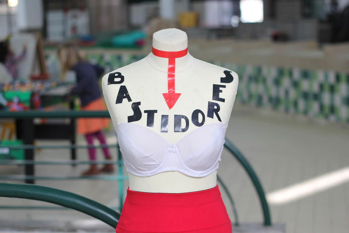 Image may contain: sports uniform and hula-hoop