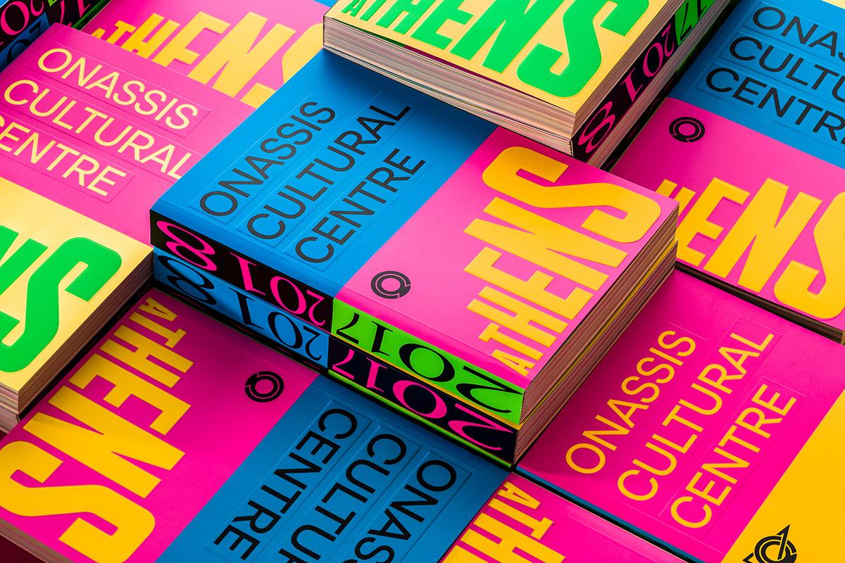 Velká upoutávací typografie na knize.