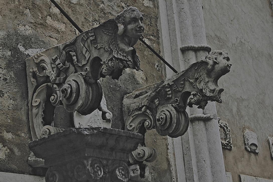 lisboa Museu do Carmo Conceição Velha setúbal Évora Casas Pintadas jeronimos Portal Axial Litanias Baphomet