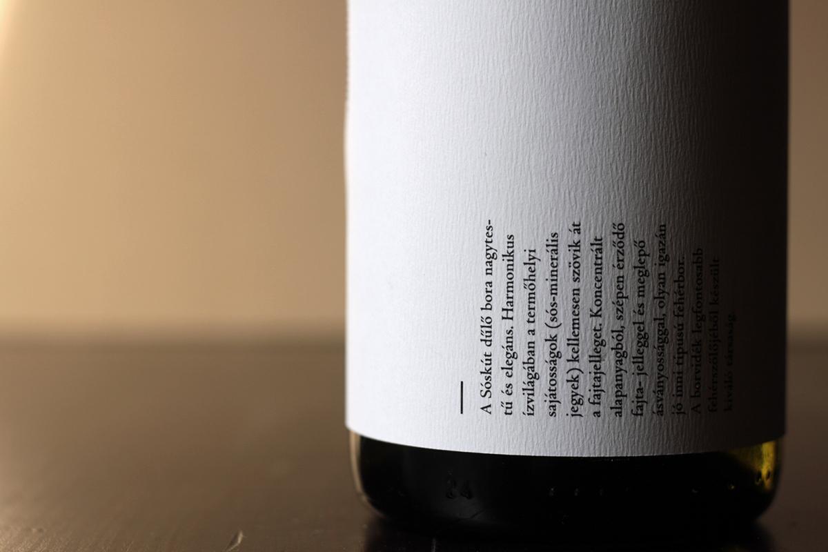 wine label Sóskút 2014 figula Cégér Olaszrizling dűlőválogatás laser stencil cork wine