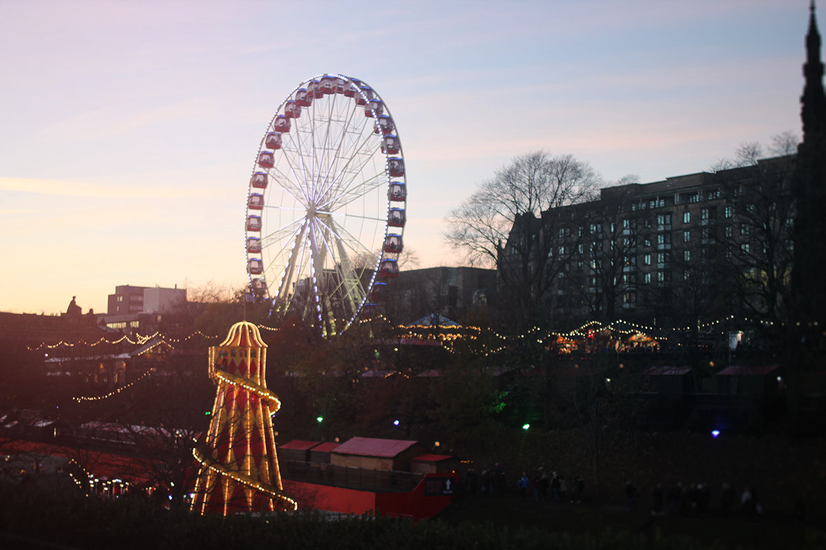 edinburgh scotland city trip Travel light capturing