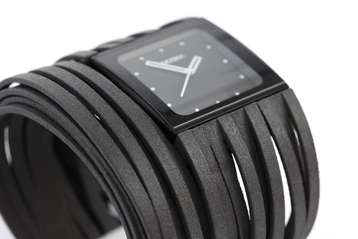 Adobe Portfolio 3d printed fashion Maria Cichy Zibari Scribble watch