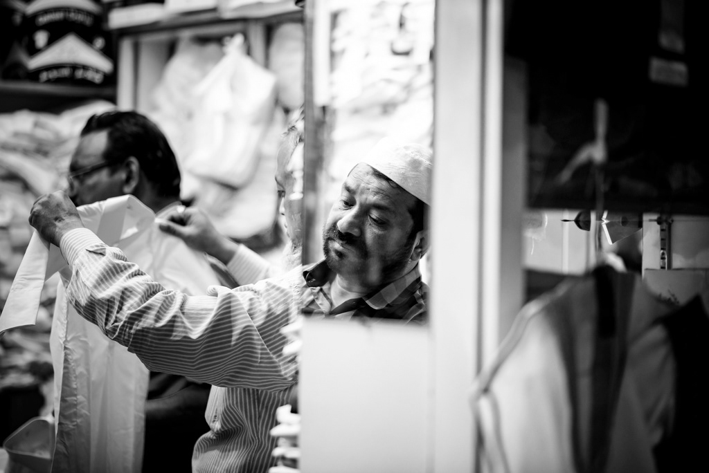 street photography black and white Photography  Qatar doha street portrait ndarwish nabil darwish visual story telling story-telling