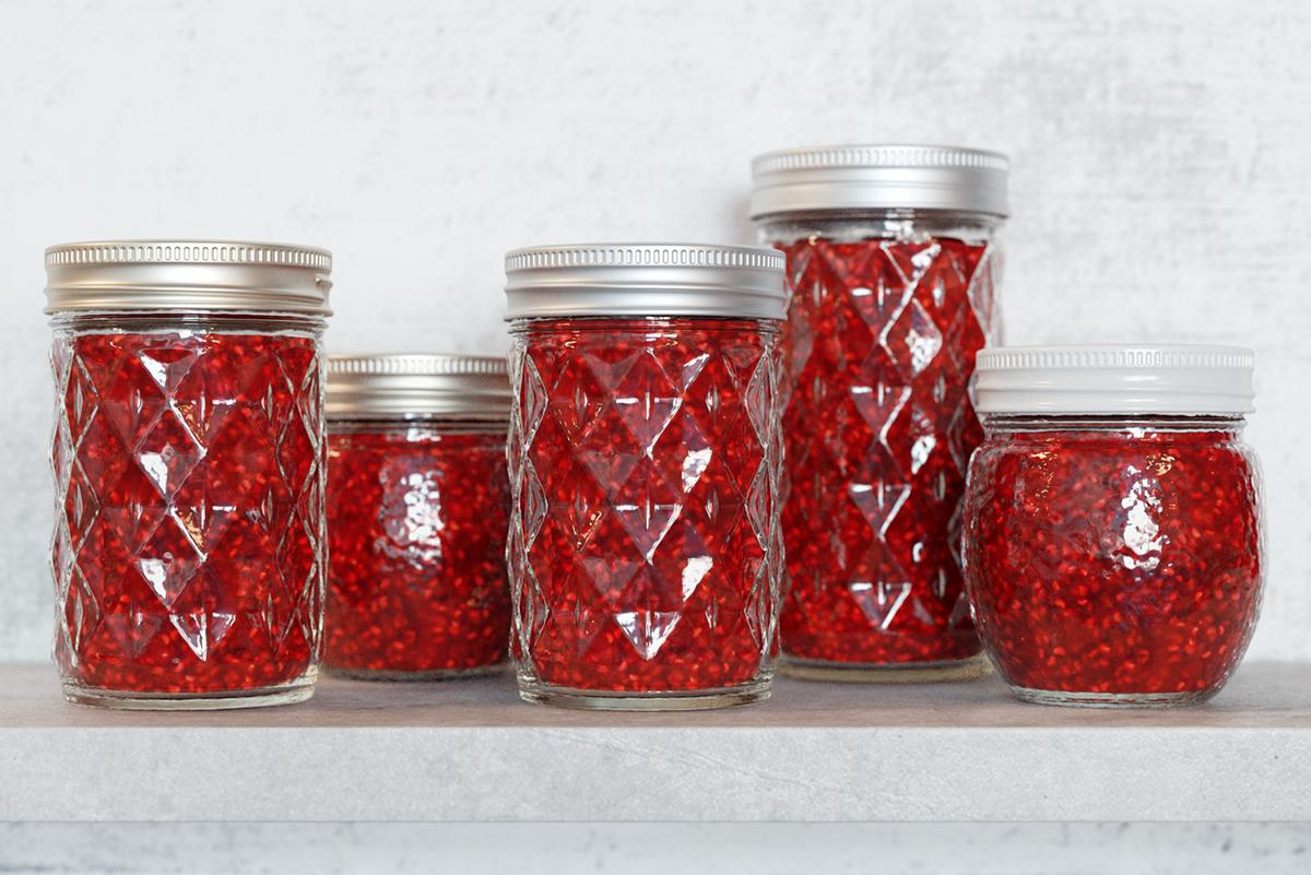 3D jars Raspberry Jam corona Render