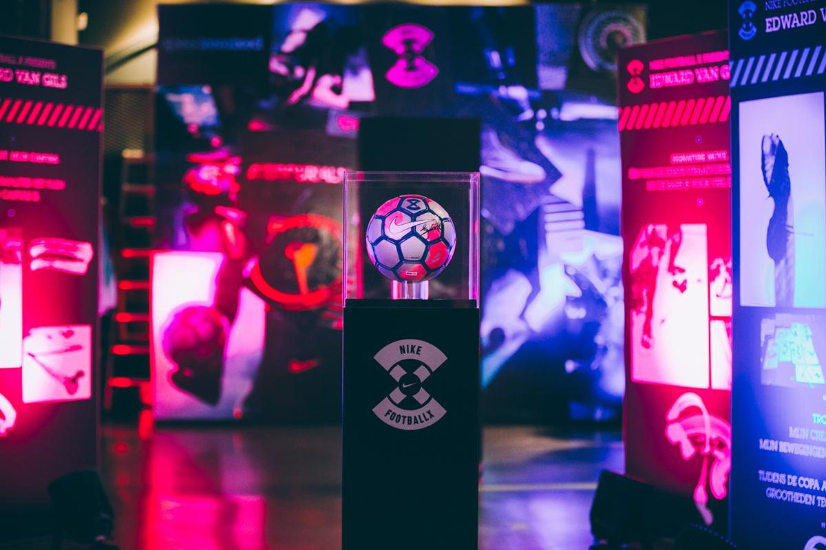 alineación más barajar  Nike Football: Mecurial x Football X on Behance