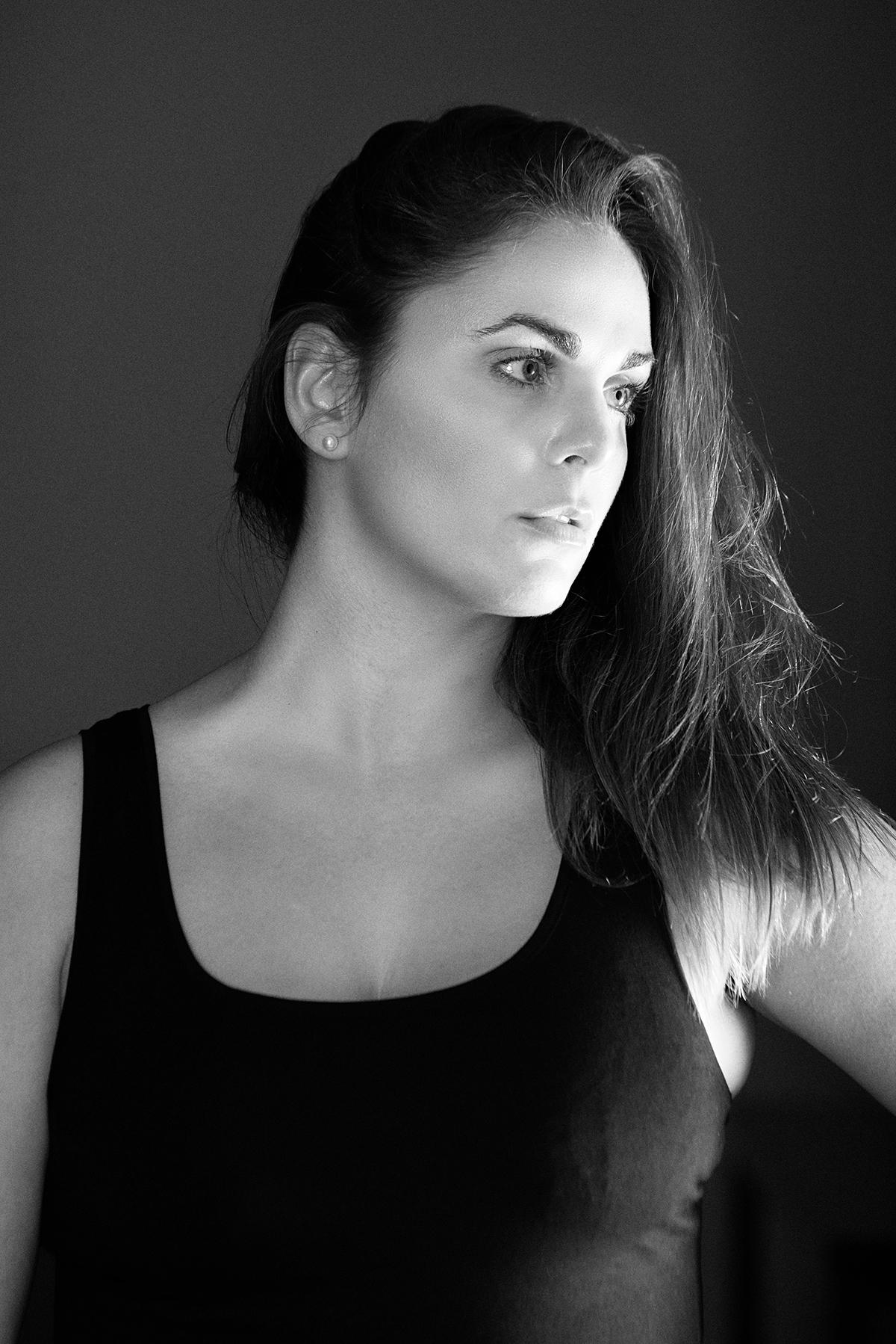 portrait woman black White bw Photography  shadow portfolio Quebec
