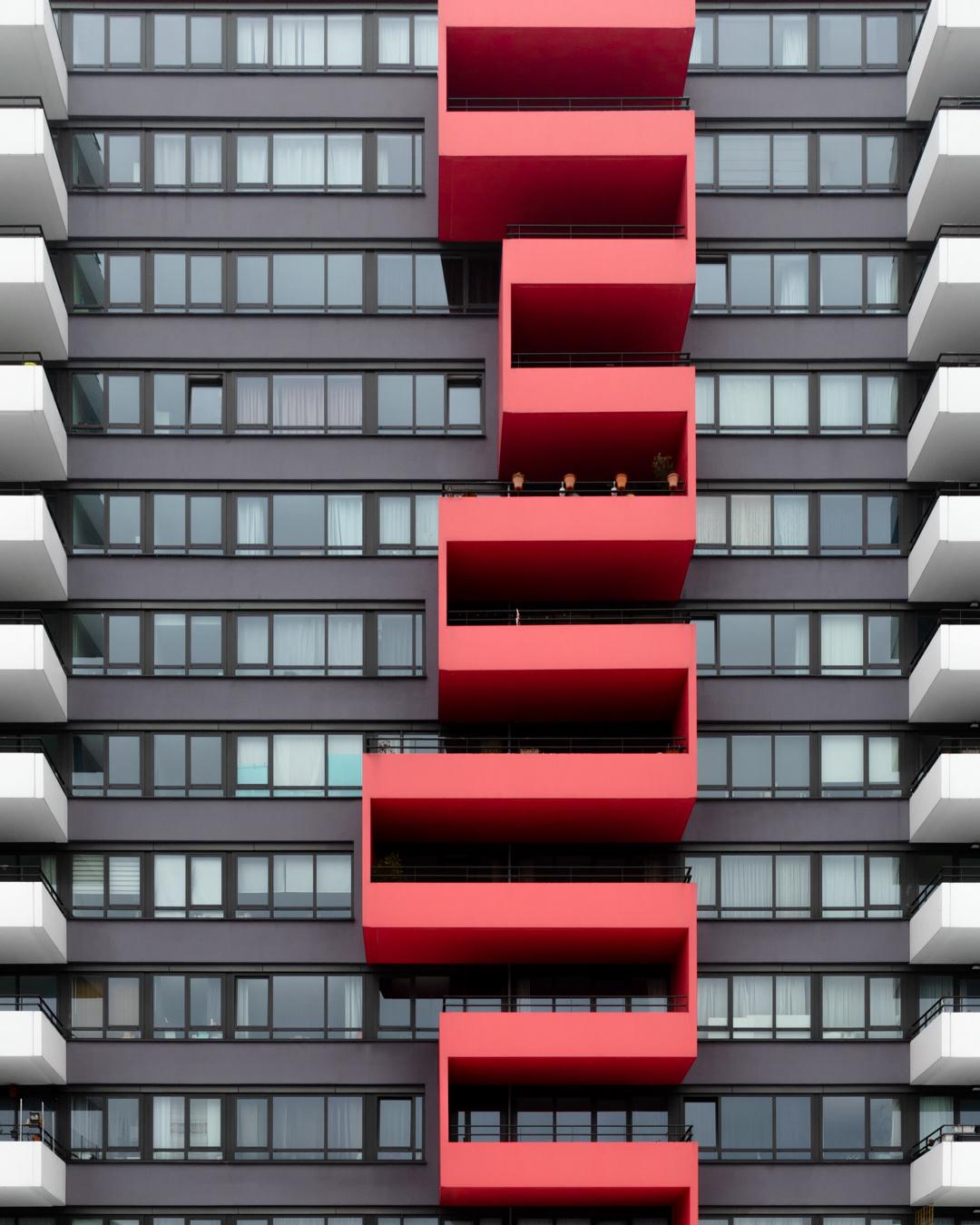Snake like balcony pattern found in Utrecht, The Netherlands