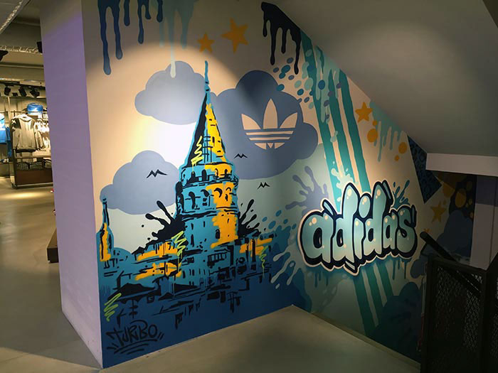 Elevado Humano Galantería  Adidas - Graffiti for Beyoğlu Shop on Behance
