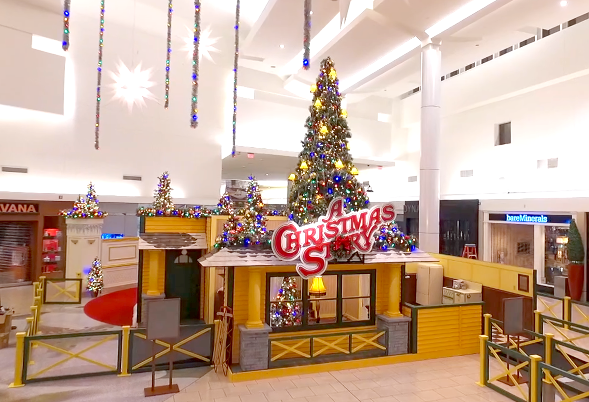 the a christmas story experience set quiet and calm the night before opening - What Year Is Christmas Story Set