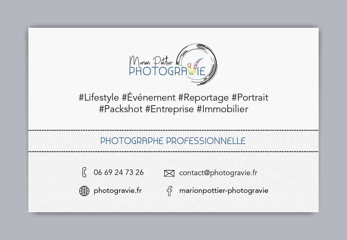 Logo Carte De Visite Photogravie Cration Dun Pour Une Photographe Base En Bretagne Immortalisant Des Instants Vie Lobjectif Cible Le Mot