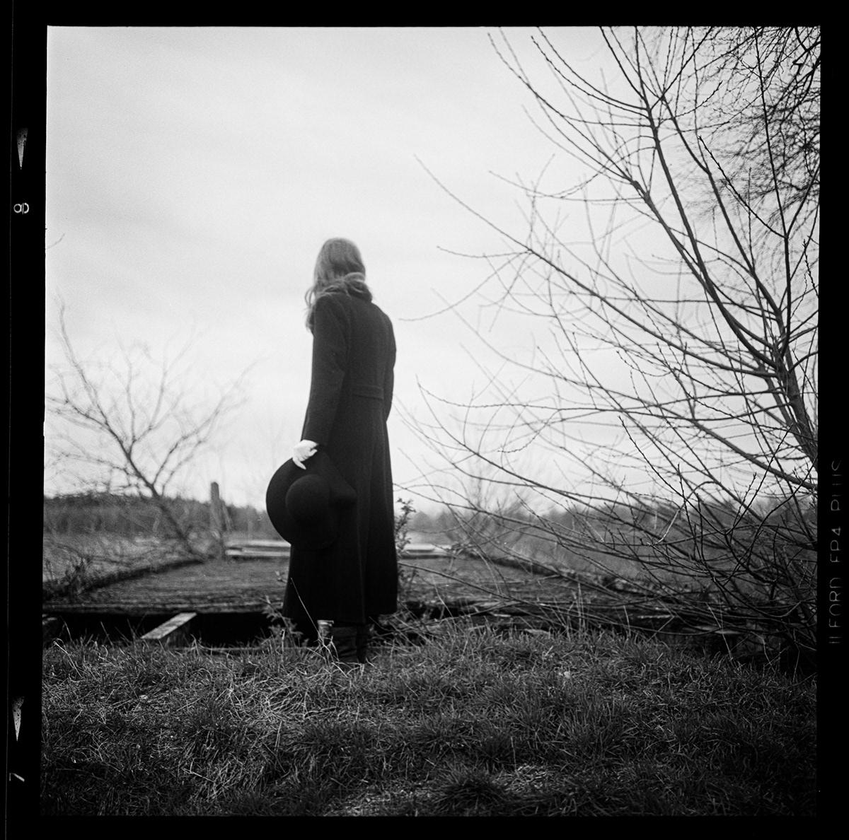 analog blackandwhite dark fotografie mood Photography  rolleiflex Schwarzweiß vintage wood