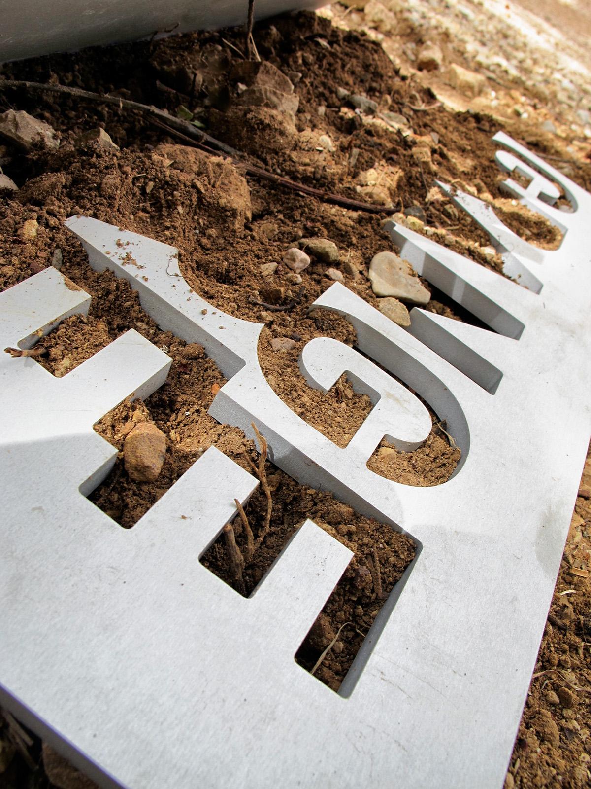 Signage  France  le Thoronet typography