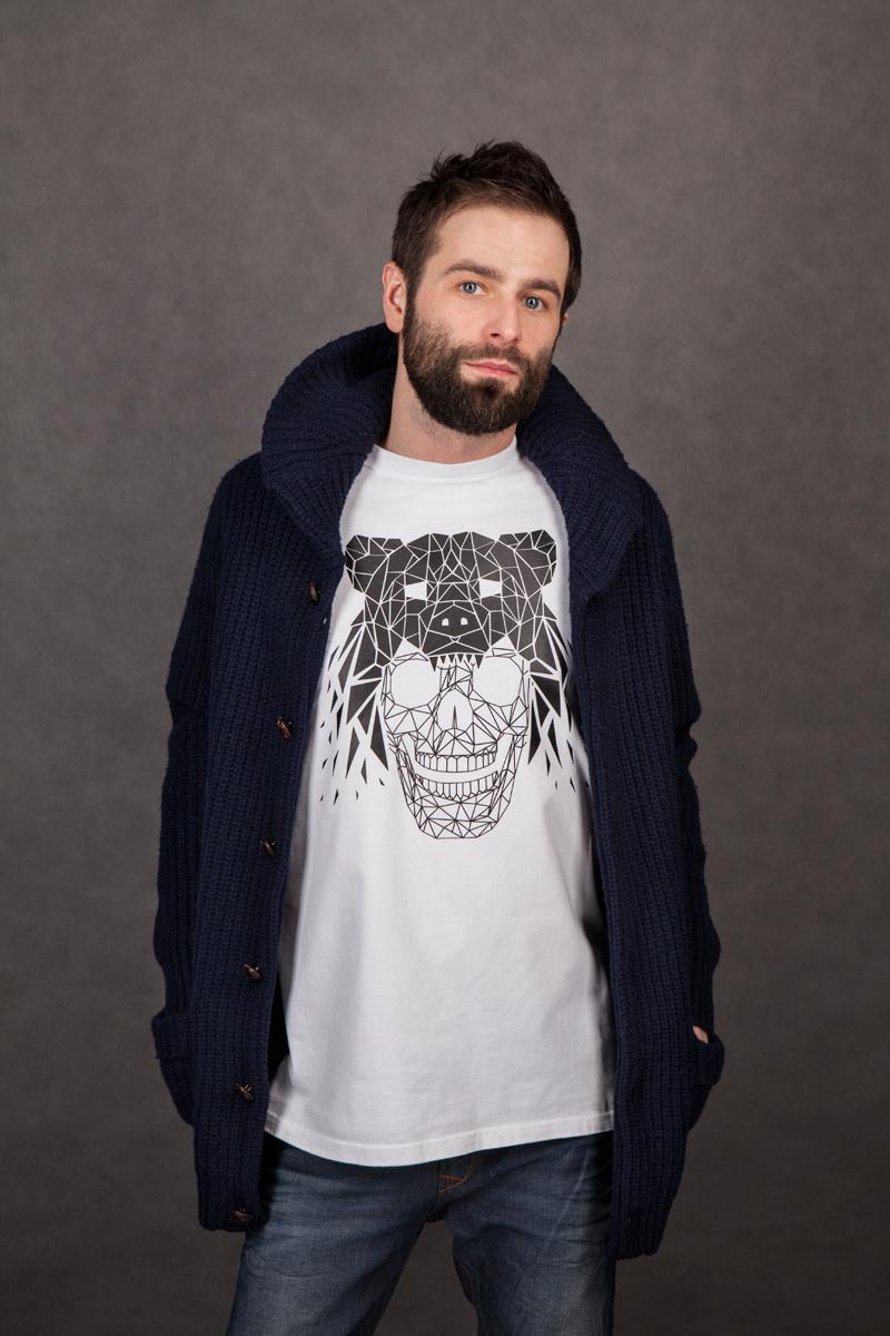 logo Logotype t-shirt skull grizzlee dryskull vector brand sticker electronic music bear