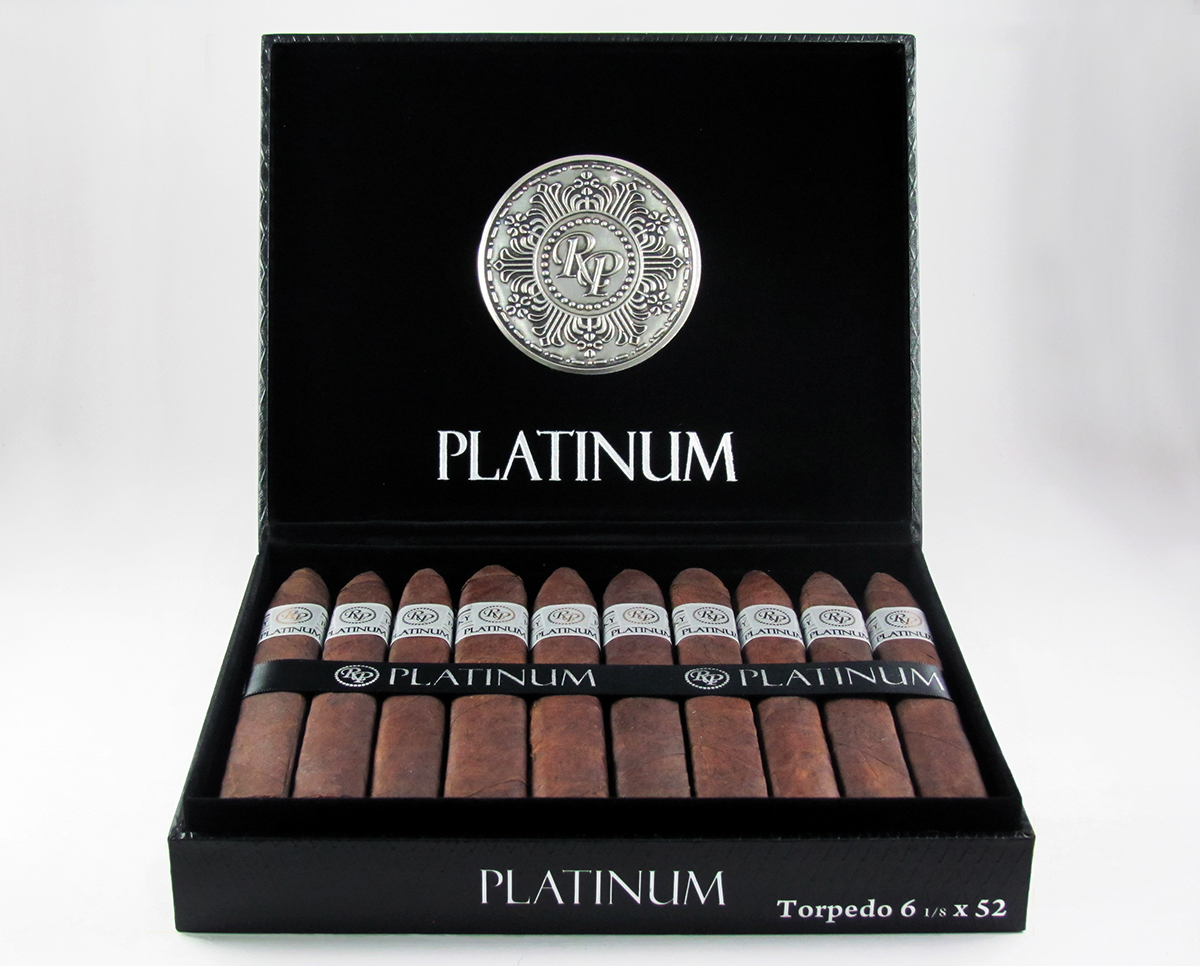 Product Photography Gotham Cigars cigars case retouch Vaporizers TopVaporShop
