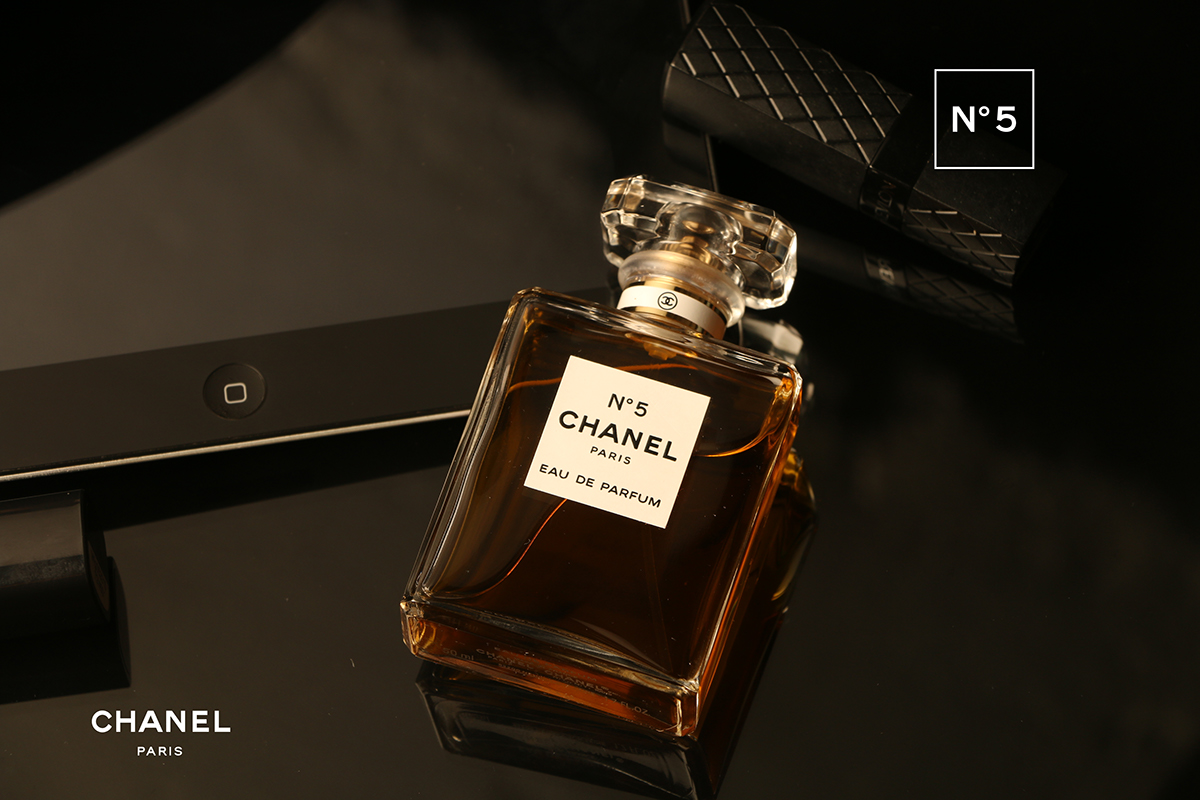 CHANEL No 5 // Product Photography // Branding on Student Show