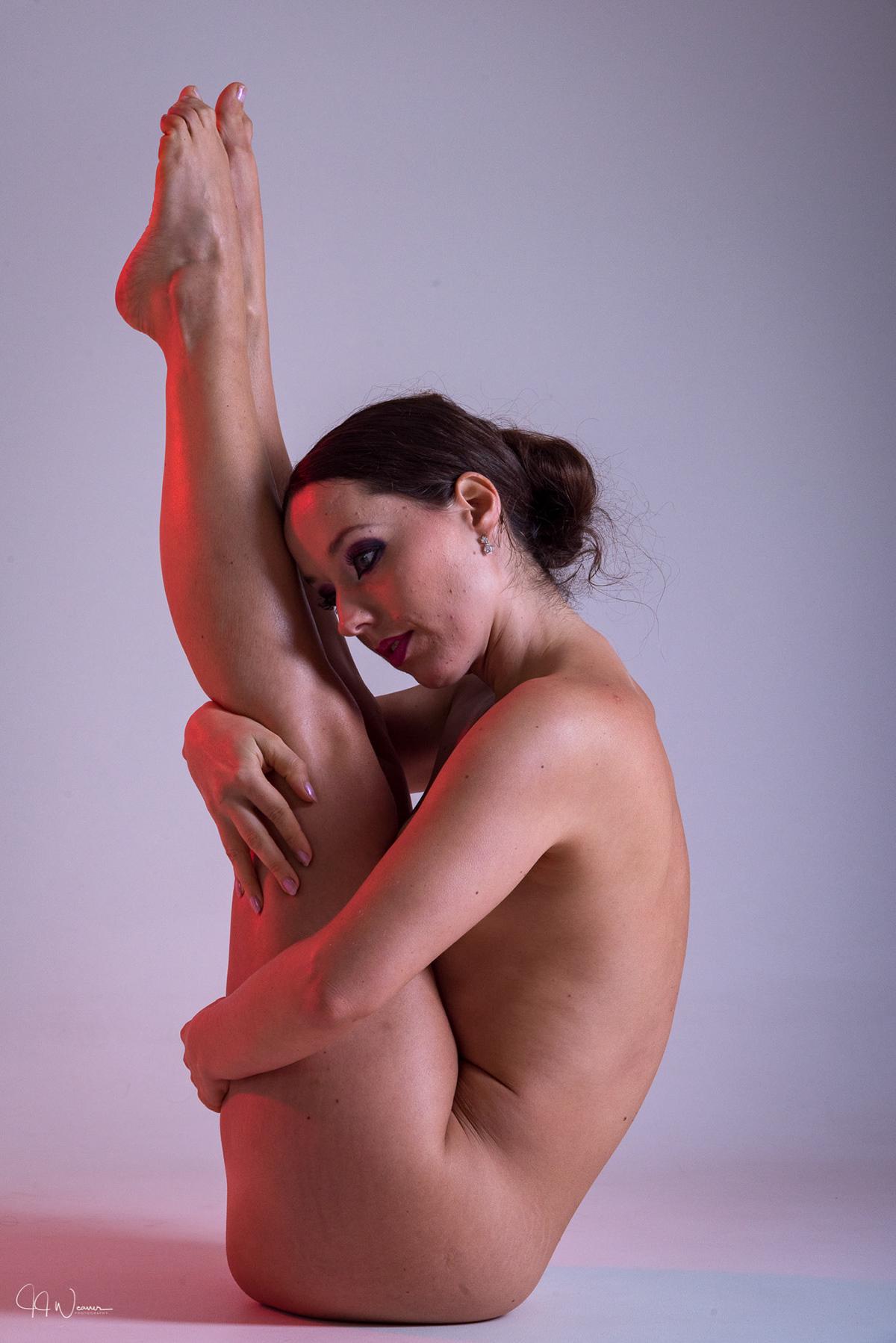 erotic akt model
