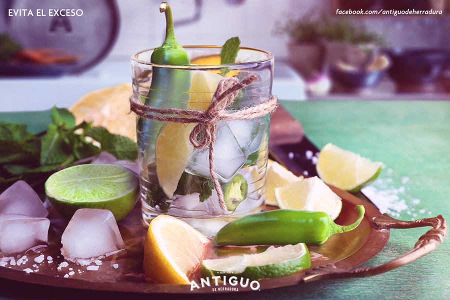 retouch photoshop Tequila photomanipulation fine retouch bottle Brown Forman  herradura casa herradura glass beauty mexico Pachuca