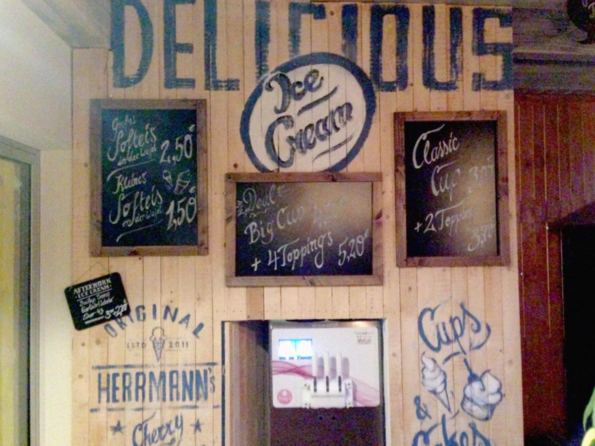 vintagedesign vintagegraphicdesign menuecard Mural editiorialdesign diner american diner hamburger goodfood Food  drinks restaurant