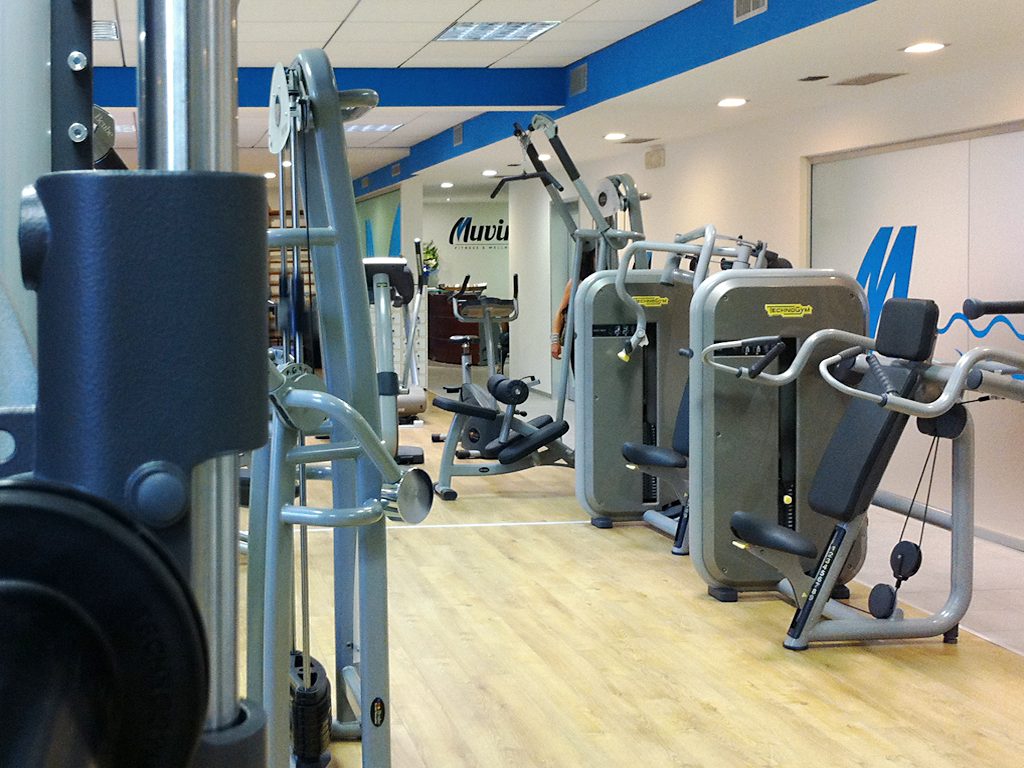 muvin muving movin MOVING gym fitness asti identity logo minimal White blue