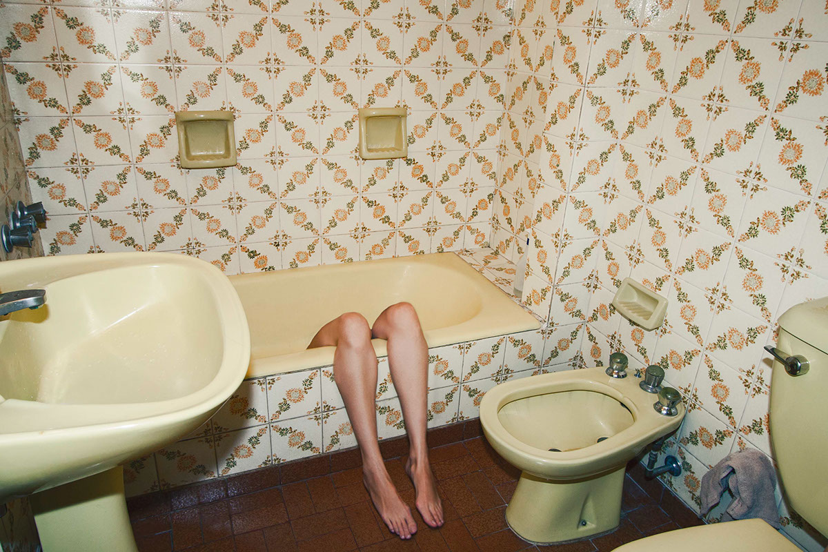 legs headless vintage woman pierna cuerpo piel