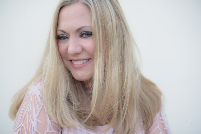 Adobe Portfolio france Lori Patrick Headshot amanda clarke portrait