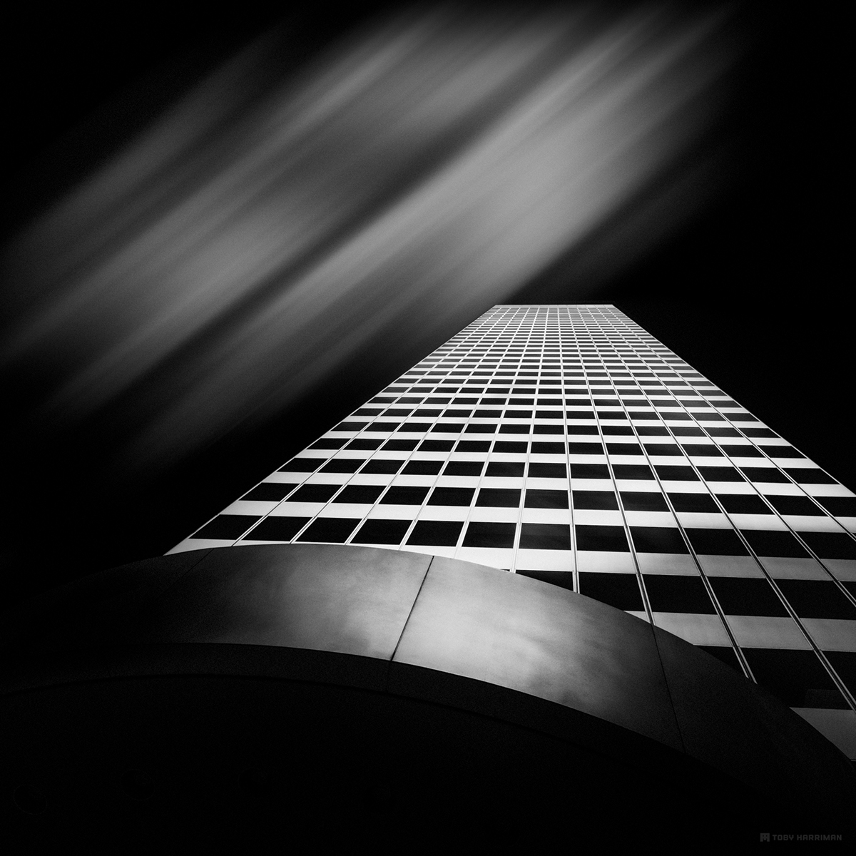 modern,pictures,black and white,Mono,dark,photoshop,Photo Manipulation ,long exposure,artist,art,Original,photos,light,city,buildings