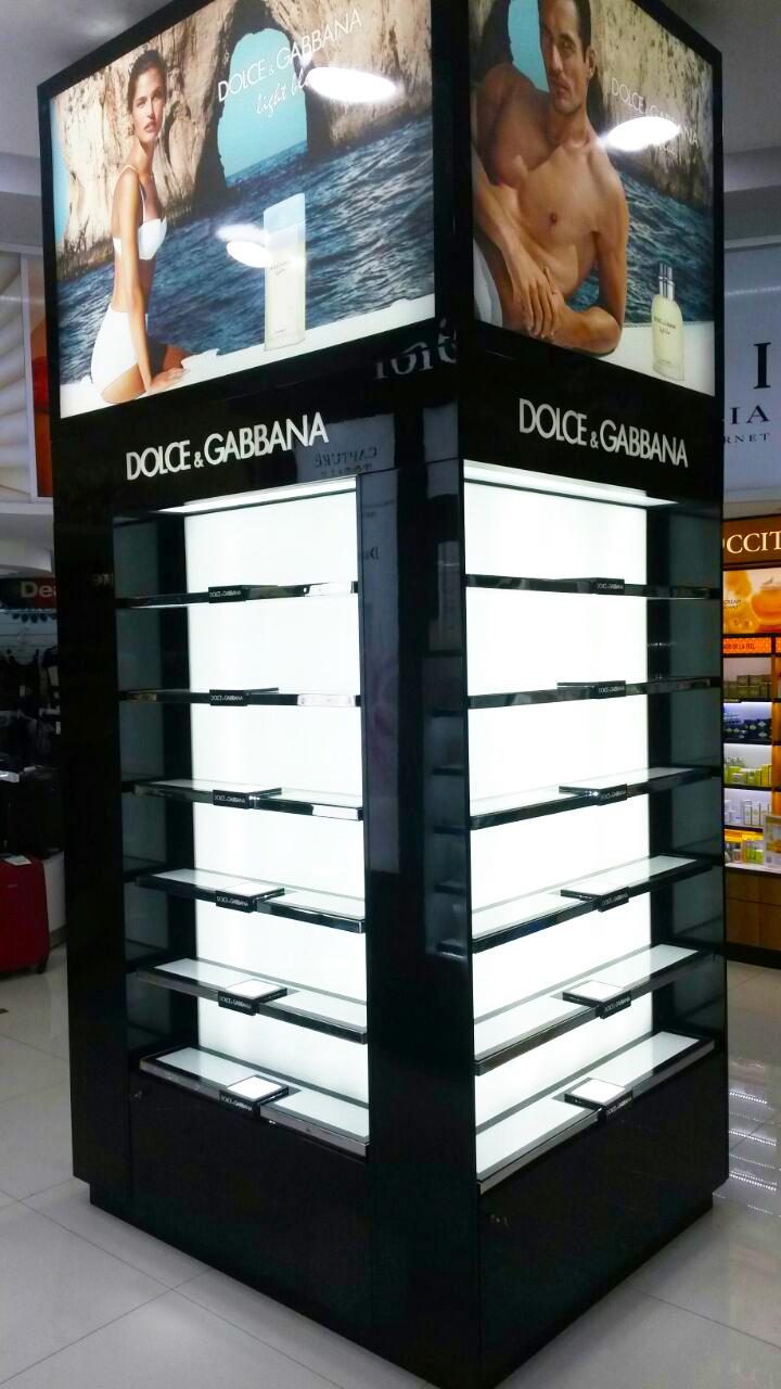 Federico Garcia Alfano Dolce Gabbana Muebles Free Shop # Federico Muebles