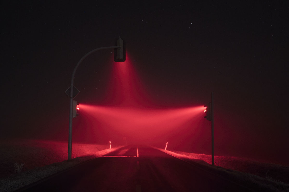 traffic lights night colorful rainbow fog stars neon