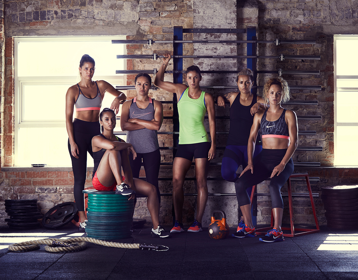 Azotado por el viento amplio granero  Nike / Team Nike Women on Behance