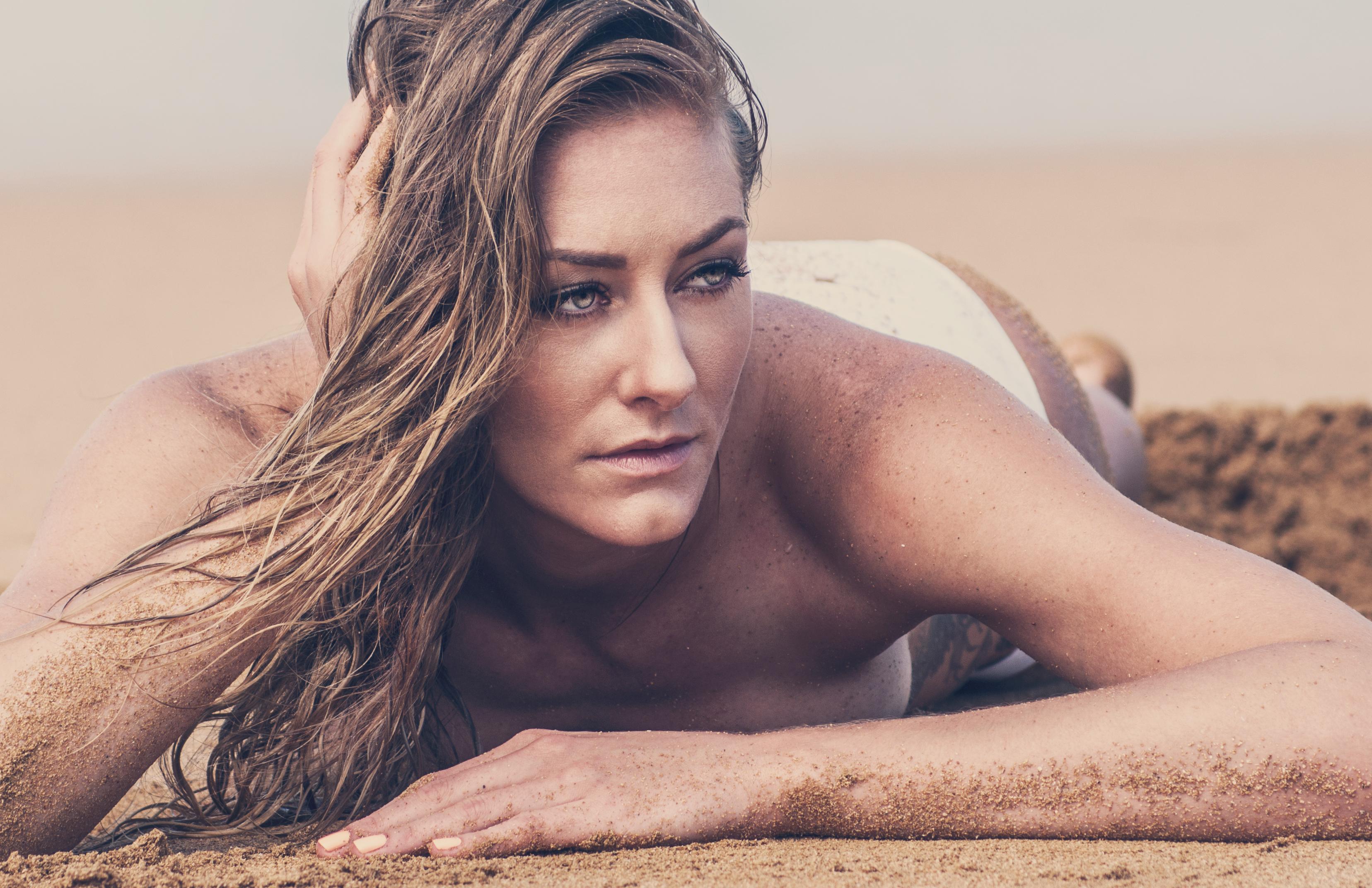 Becky Perry Nude Photos 32