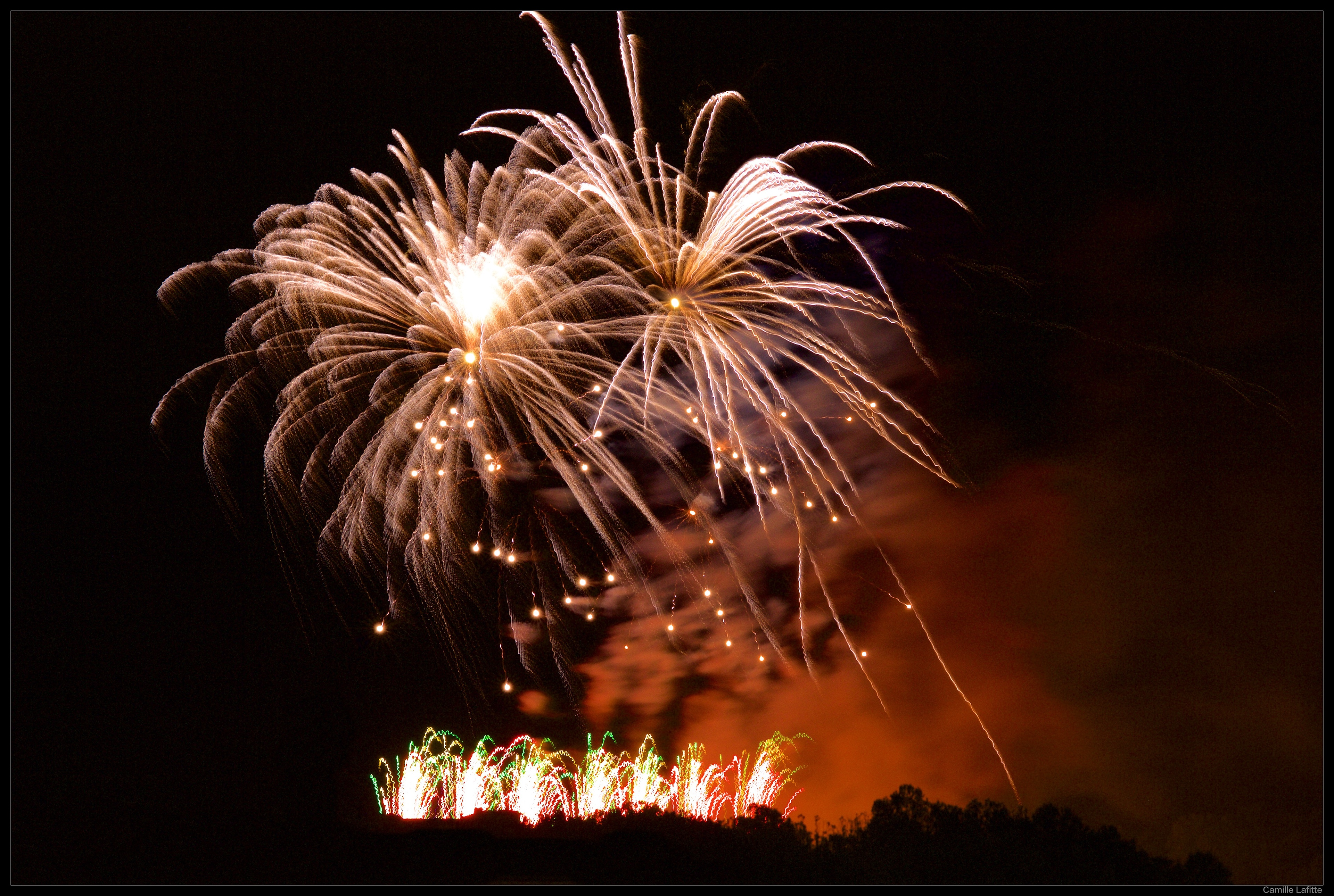essay on fireworks Summary: an essay telling about fireworks learn about safety issues, how fireworks are made, and when and why fireworks are used just about everyone in the united states has some personal experience with fireworks, either from fourth of july or new year's eve celebrations for example, you have.