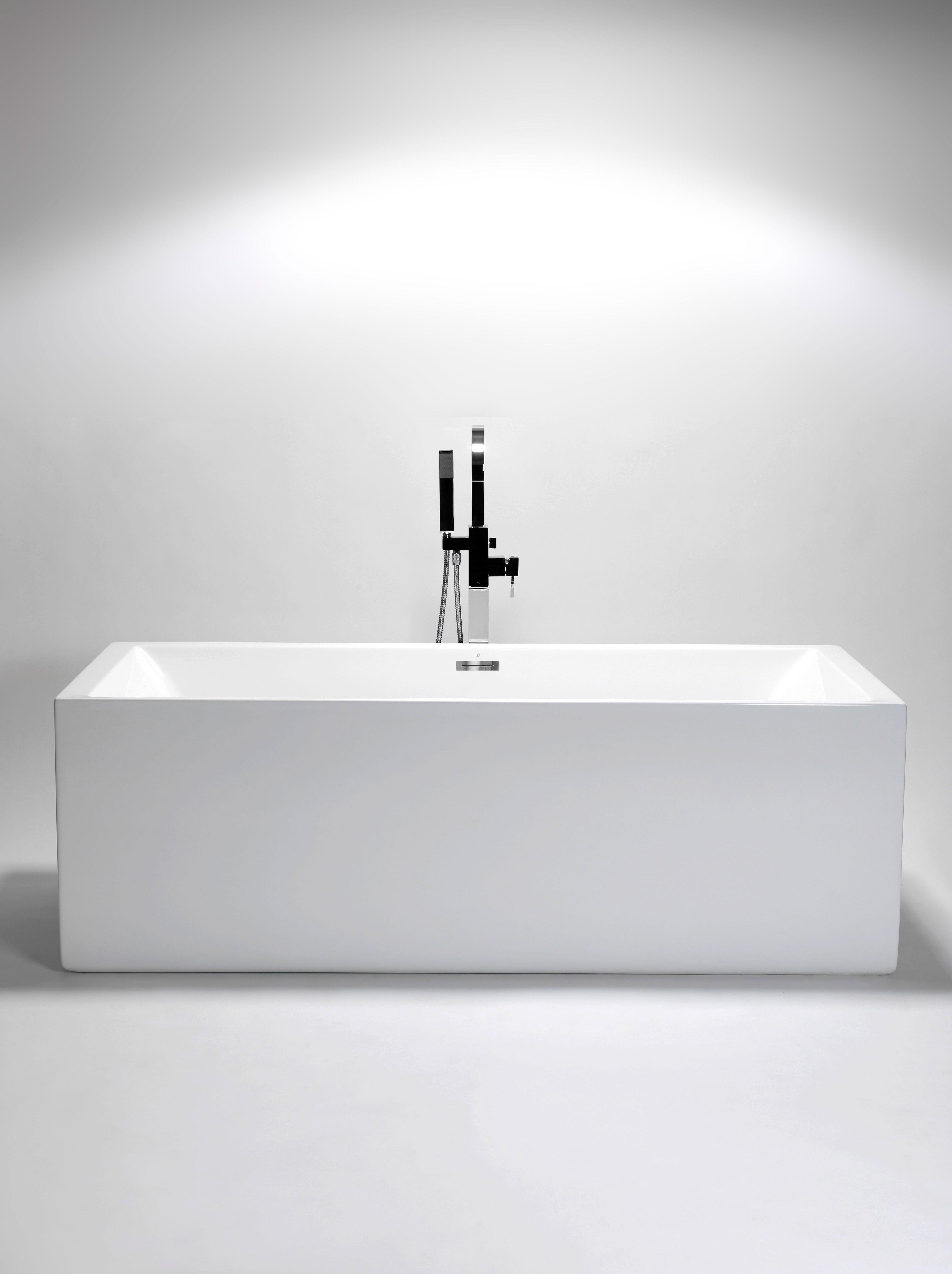 venzi corner x drain with bathtub luna center