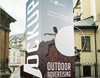 FREE OUTDOOR ADVERTISING DISPLAY MOCK-UP IN PSD