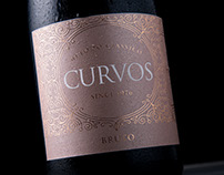 Espumante Curvos || Wine Packaging Design