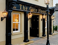 The Gate House, Traditional Pub